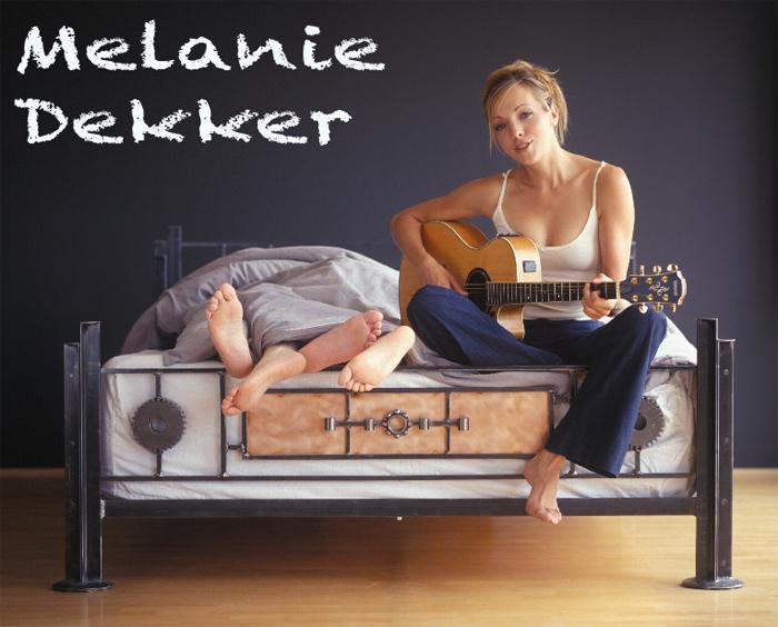 öfter Melanie Dekker